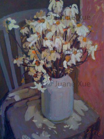 witte urn bloemen